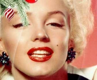 Postkarte / Weihnachts-Bilderrahmen wo Sie ein Bild. Auswirkung der verbesserten Kurven auf schwarzem Hintergrund. Im Vordergrund sehen wir einen Weihnachtsbaum Zweig hängend mit zwei Kugeln, eine in der Form von Eis oder Tornado, ist weiß und rot Spiralen, ist kugelförmig und endet in einem Punkt. Die andere ist blutrot lackiert mit Schneeflocken. Leichter Rahmen.