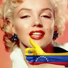 Legen Sie eine Hand mit Daumen nach oben und der Flagge von VENEZUELA in Ihren Fotos