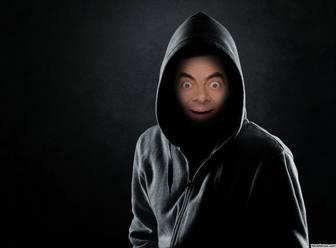Seien Sie mysteriös mit dieser Fotomontage eines Mannes in den Schatten.