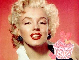 Aufkleber von einem hübschen rosa Kuchen-