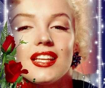 Fotorahmen mit hellen Kanten mit einem Strauß Rosen geschmückt.