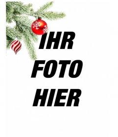 Postkarte / Weihnachts-Bilderrahmen wo Sie ein Bild. Auswirkung der verbesserten Kurven auf schwarzem Hintergrund. Im Vordergrund sehen wir einen Weihnachtsbaum Zweig hängend mit zwei Kugeln, eine in der Form von Eis oder Tornado, ist weiß und rot Spiralen, ist kugelförmig und endet in einem Punkt. Die andere ist blutrot lackiert mit Schneeflocken. Leichter Rahmen