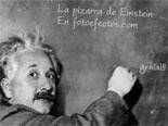 Tafel Foto-Effekt, in dem Einstein Wissenschaftler, der schreibt auf eine Tafel, um den Text Ihrer Wahl.