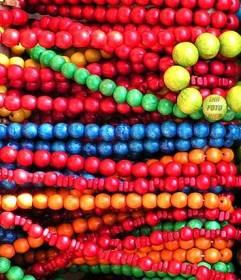 Spiel um Ihr Gesicht in einer Halskette Perle frei und online zu verstecken