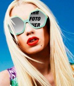Fotorahmen mit Iggy Azalea, um ein Bild setzen sich in seiner Brille