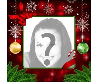Fotorahmen für Weihnachten mit roten Verzierungen, gold Schneeflocken und Weihnachtskugeln.