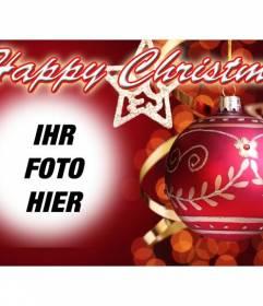 Post zu Weihnachten mit HAPPY CHRISTMAS Text und roten Hintergrund mit einer Weihnachtskugel gratulieren. Legen Sie Ihr Foto im Hintergrund