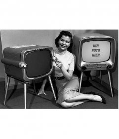 Fotomontage, in der Sie in zwei alten Fernseher zu verlassen, mit einem jungen liegend zwischen ihnen, die spezialisiert auf die Stimmung. Komposition in Schwarz und Weiß.
