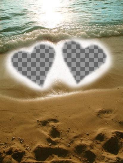 Erstellen Sie eine personalisierte Karte für Valentinstag online. Fonds für zwei Fotos, die mit zwei Herzen in den Sand am Strand als Rahmen dargestellt