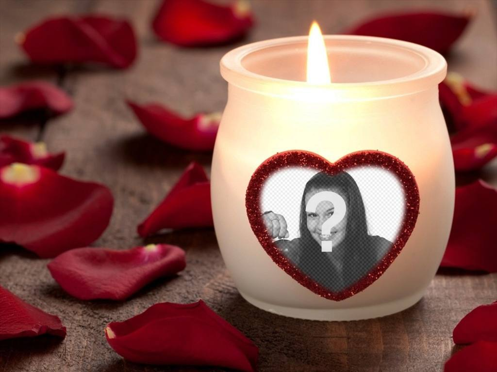 Fotoeffekt der Liebe mit einer Kerze und einem Herz